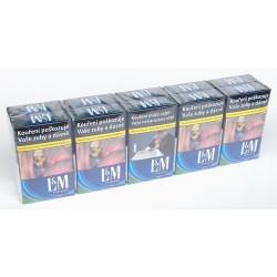 Kartonové balení cigarety s filtrem L&M Forward kolek Z 108 Kč 10x20ks
